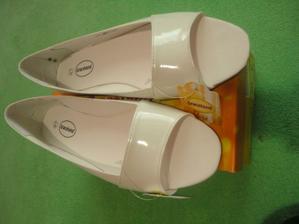 moje topanočky..čo už keď nemôžem mať na opatočku...