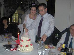 a prišlo na krájanie torty