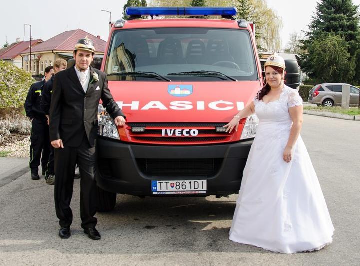 Miroslava Šimončičová{{_AND_}}Miroslav - Takto to vyzerá ked sa berú dvaja dobrovolní hasiči