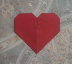 Ubrousek srdce - detail