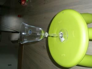 naše skleničky :-), budou jen nazdobené  mašlí nebo něčím takovým