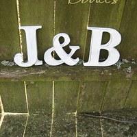 mám písmenka, J a H a už jsem je polepila puzzlíky, pak vložím foto :-)
