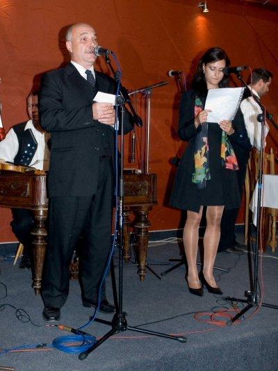 Miriam Valova{{_AND_}}Paul Normore - starejsi s prvou druzickou Kristinkou