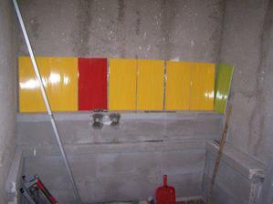 Dnes,dne 25.3.2008 se konečně začne obkládat koupelna..a bude takto barevnáááá:-))