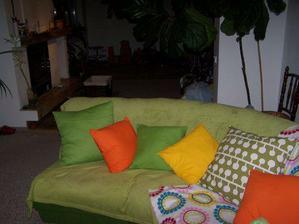 ..nové polštářky a deky-super;-)