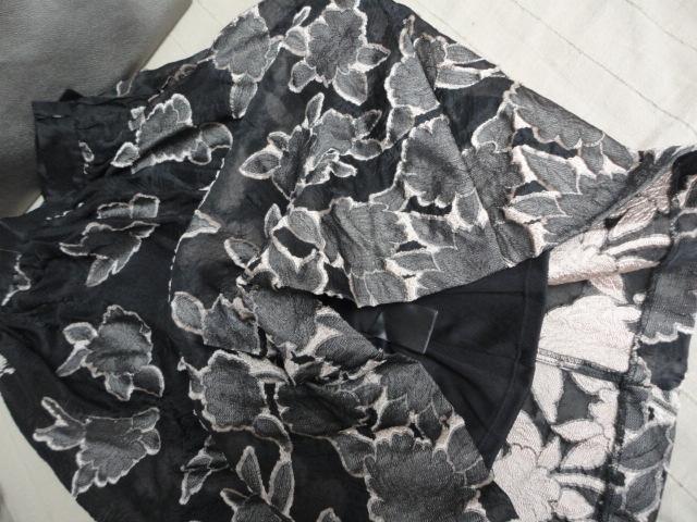 Dámska žakárová midi sukňa vel. 34 - Obrázok č. 2