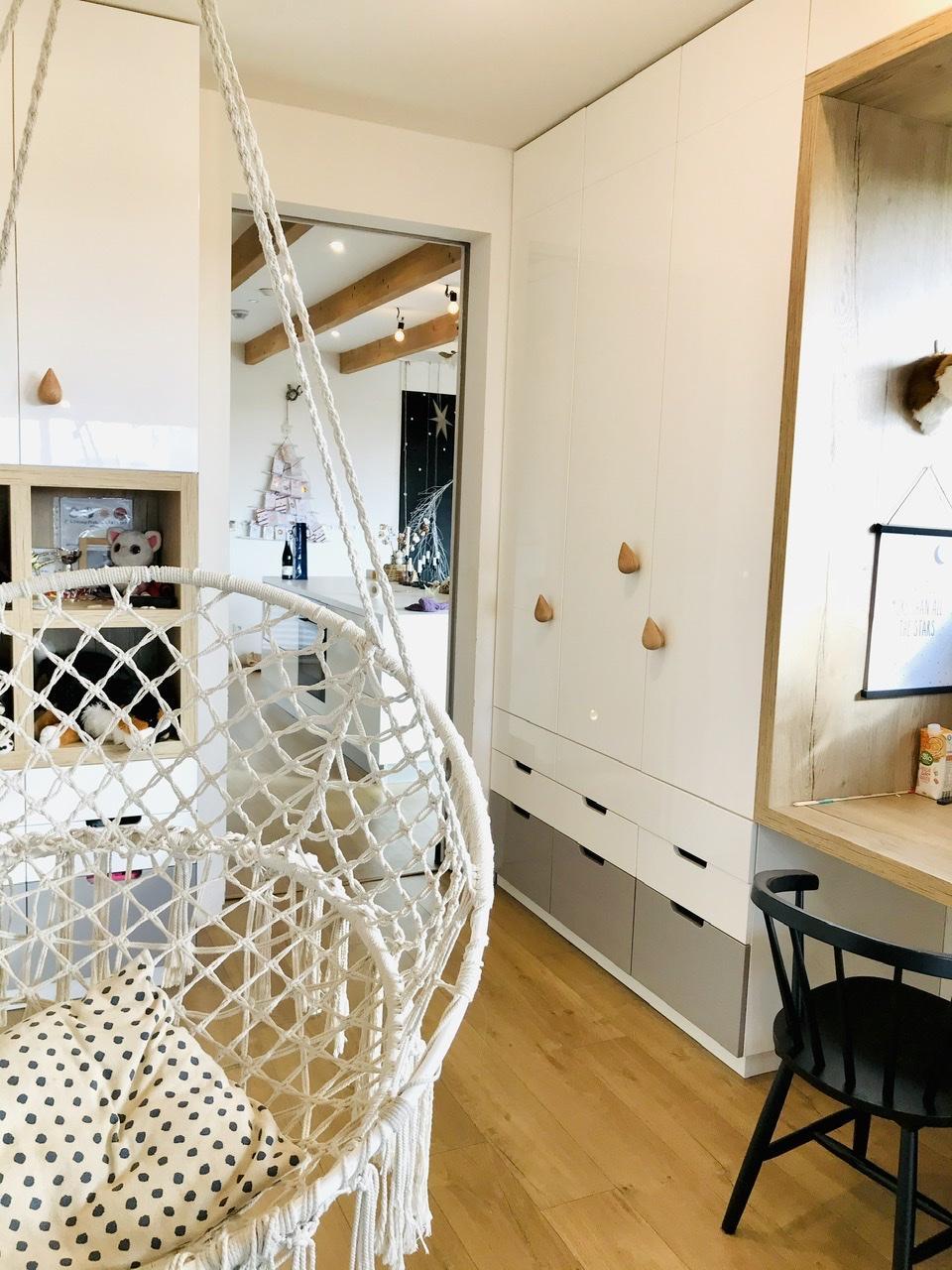 Naše L-ko - 2021 - stále dokončujeme - Dokončený nábytok pre deti - predná detská izba