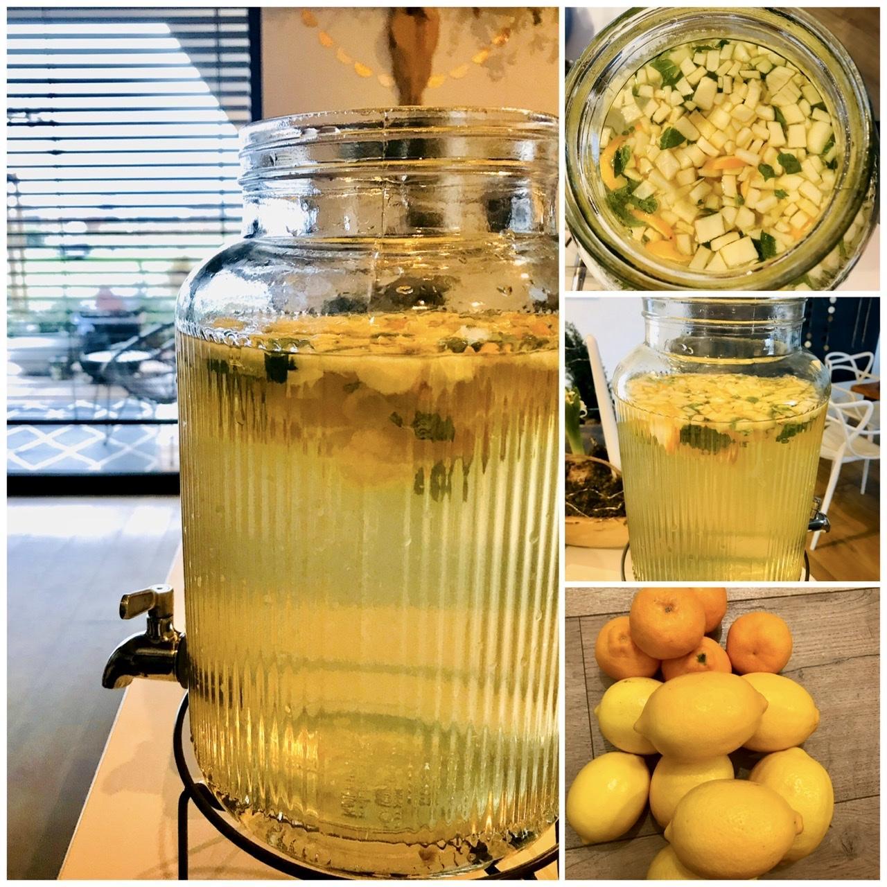 Naše L-ko - 2021 - stále dokončujeme - Jablkovo, citrónová limonáda s matou. Limonáda je z tatinovych  dopestovaných bio citrónov. Ked sa už vidiet nemožme naživo, dostala som voňavý balík s citrónami a mandarinkami z tatinovych skleníkov :)) Stromky majú 30 rokov a su obsypané ovocím.