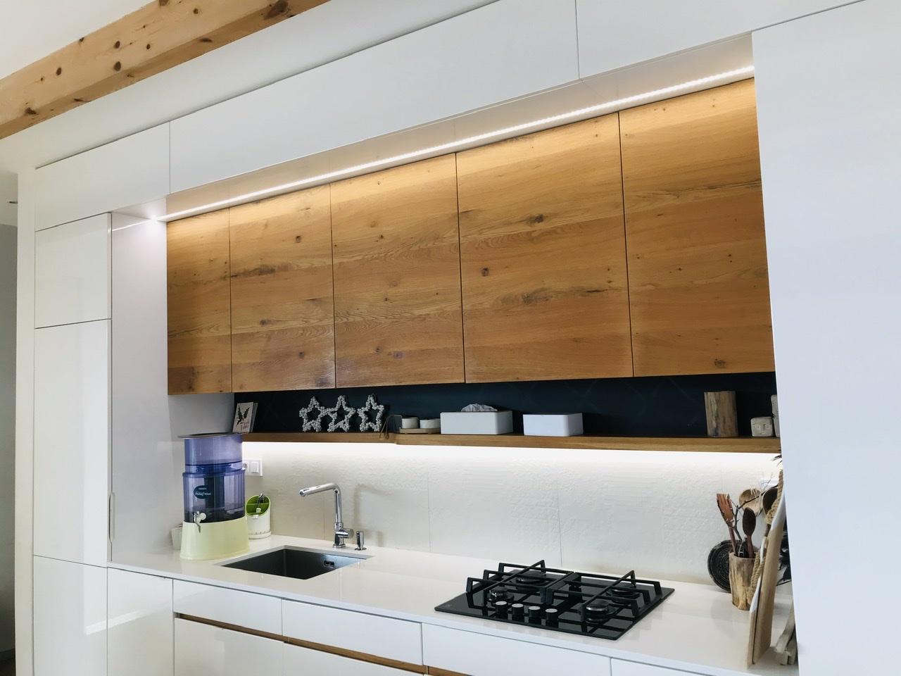 Naše L-ko - 2021 - stále dokončujeme - Slniečko v kuchyni, prajem krásnu nedeľu