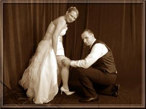 Podväzok chytil kamarát, tak snáď do roka a do dňa .. svadba bola... ale stastie u nich nebolo.