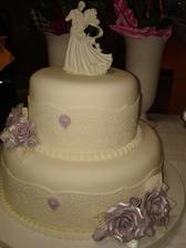 naša svadobná tortička...