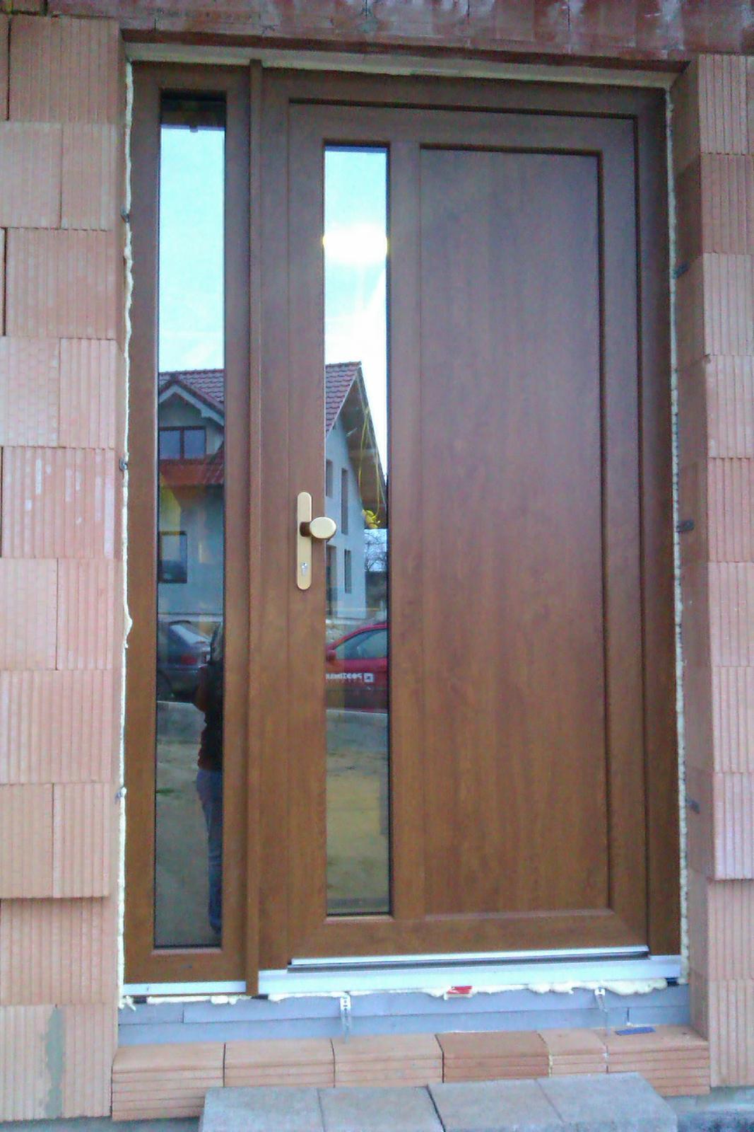 Vchodové dveře plastové ceník