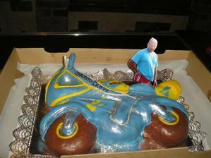Takováhle bude dorta, ale více svatební