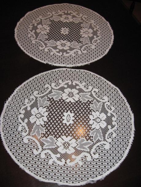 Dva rovnaké okrúhle obrusy - Obrázok č. 1