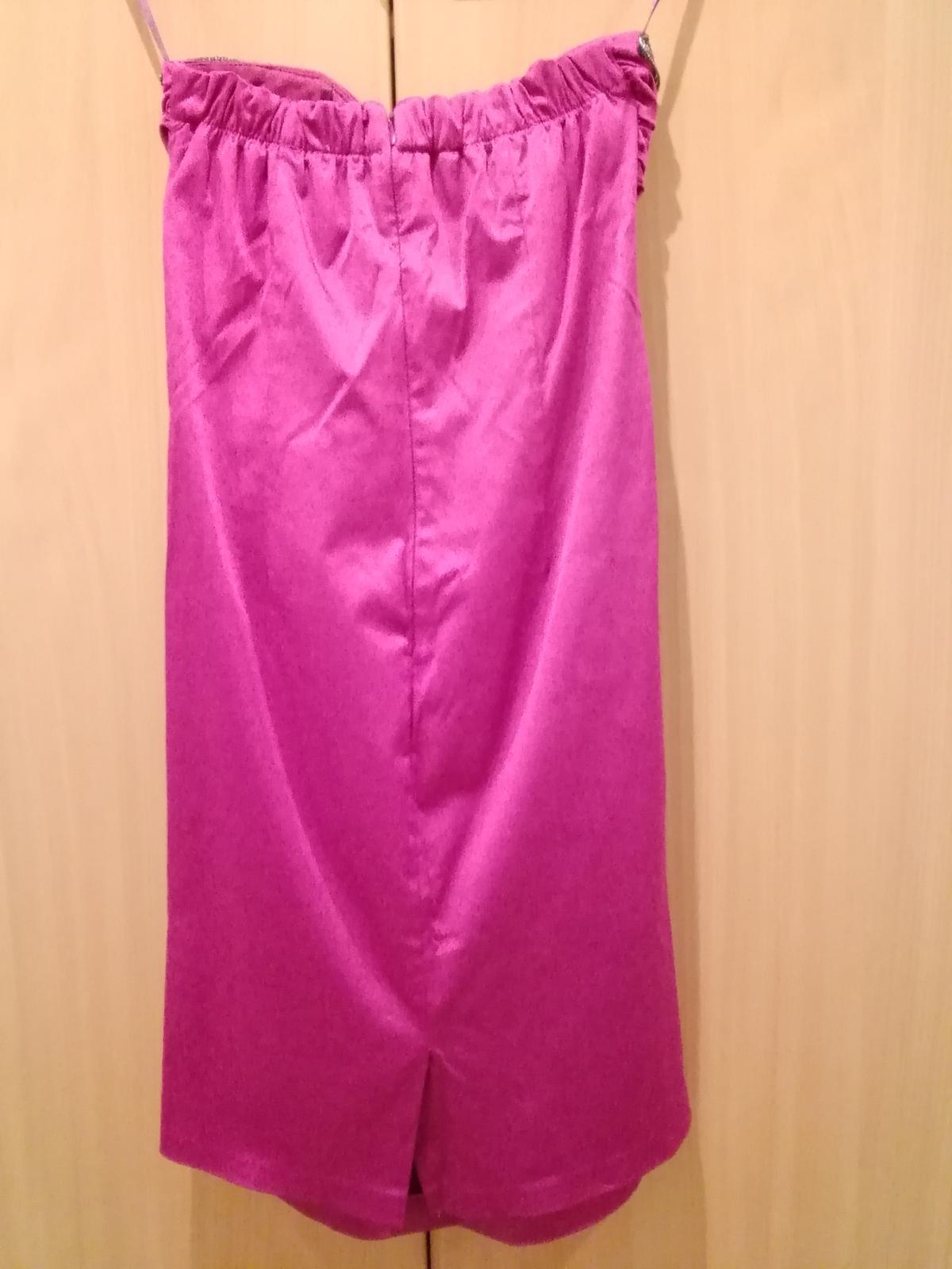 Saténové cyklaménové šaty - Obrázok č. 2