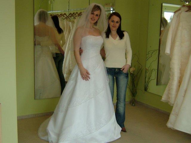 Lubomira & Giles (9.9.2006) - Saty som si vyberala za pomoci mojej najdrahsej sestricky Otky :-)