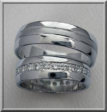 podobny prstynek pro me a pro alana jenom s jednim diamantem