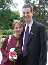 tak to jsme my :-) na svatbě našich nejlepších kamarádů. Letos budou svědčit oni nám :-)