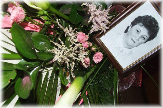 Katarína Fidesová{{_AND_}}Jaroslav Betkov - moja mamina,škode že už nie je medzi nami