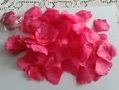 Cyklamenové lupene,