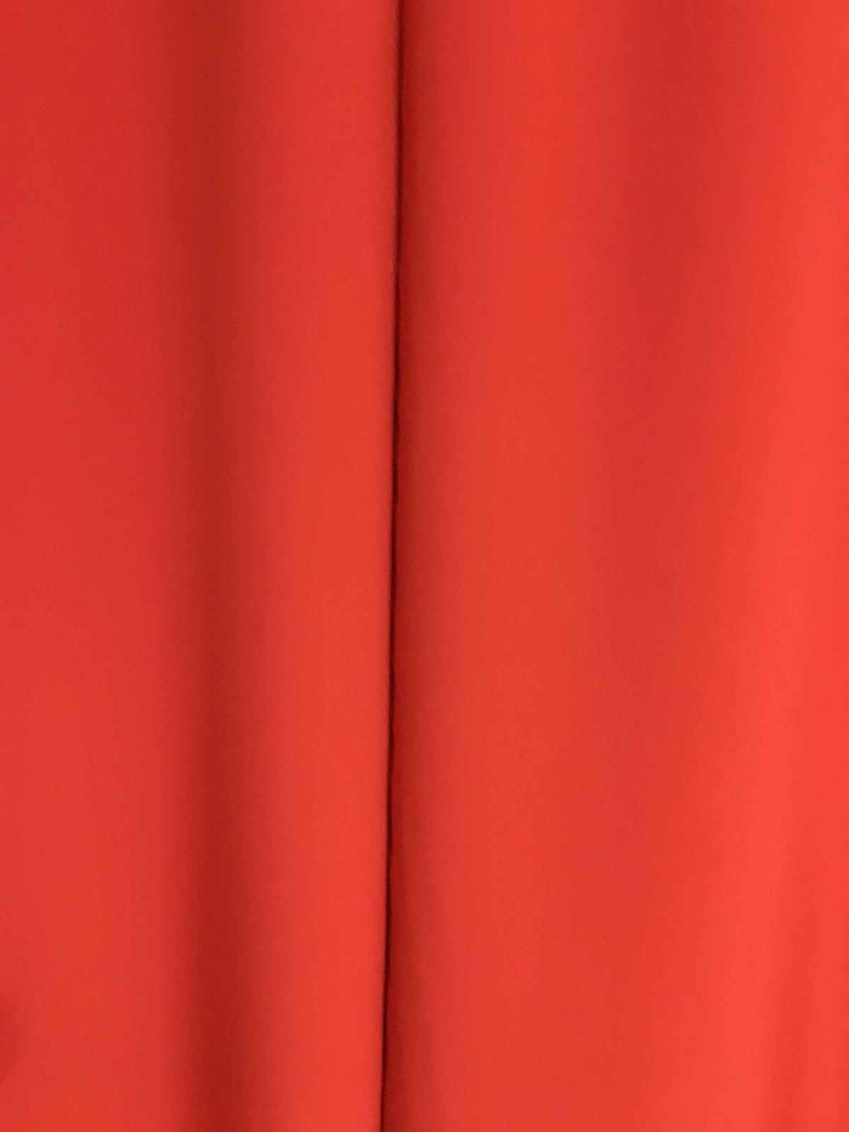 Tieniaci cerveny zaves so zirkonmi - Obrázok č. 2