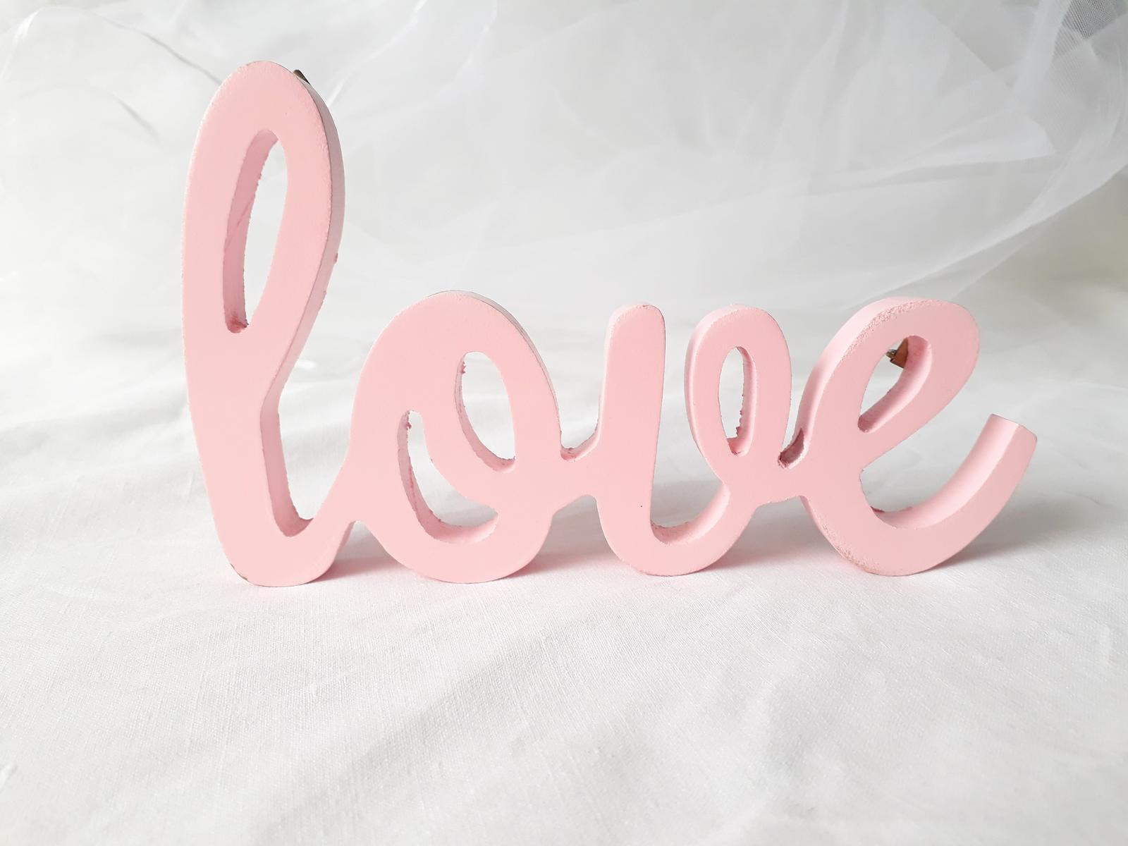 Nápis Love - rezervováno - Obrázek č. 1
