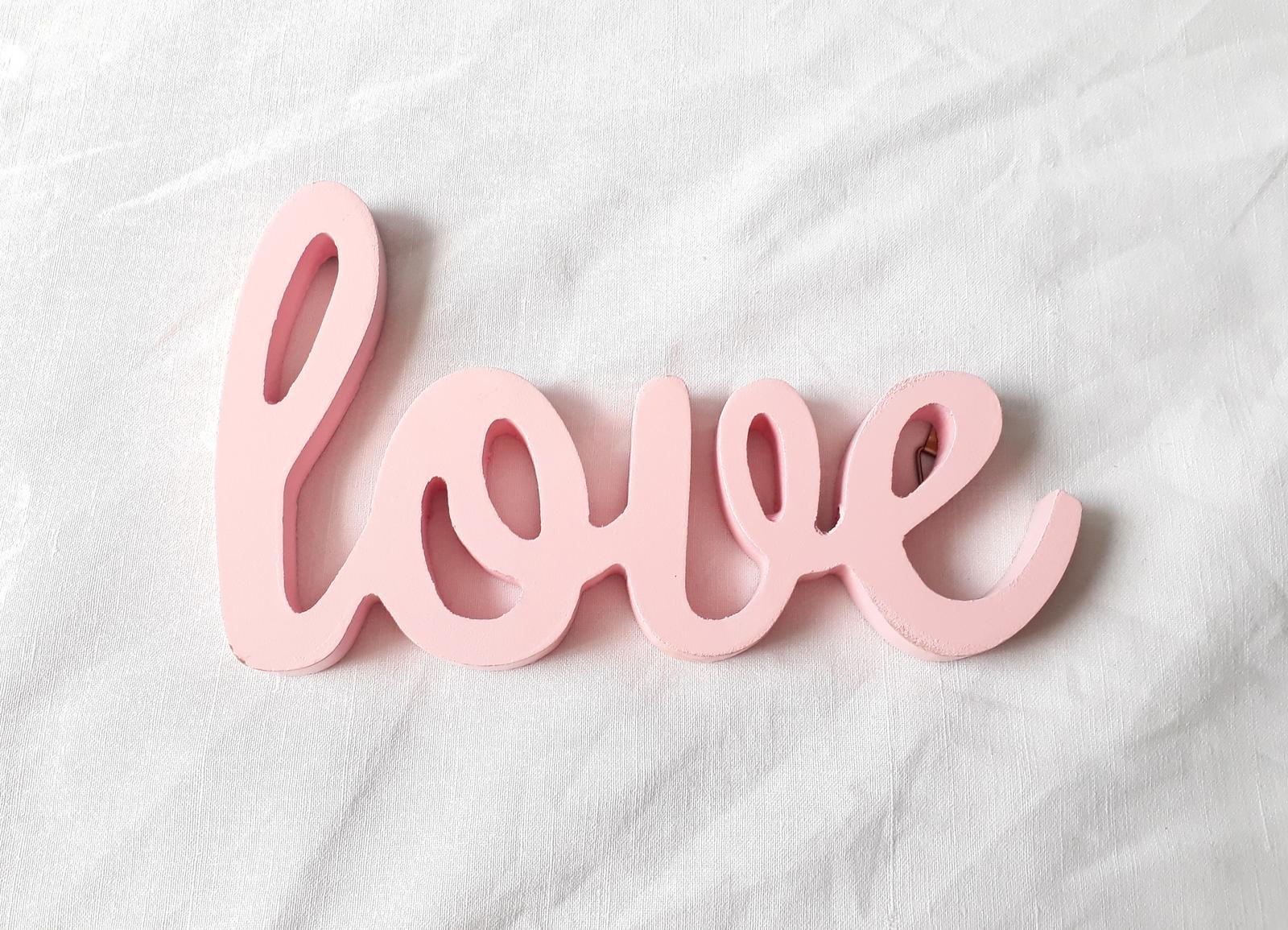 Nápis Love - rezervováno - Obrázek č. 2