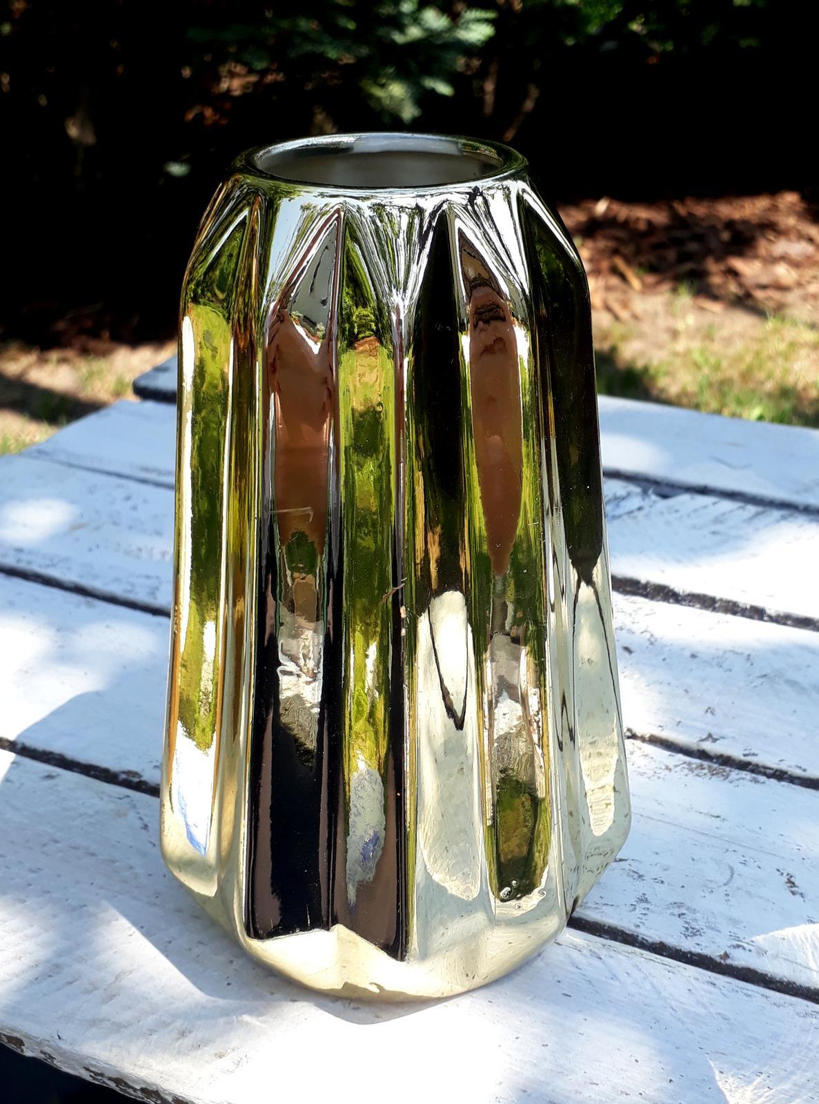 Zlatá váza - Obrázek č. 1