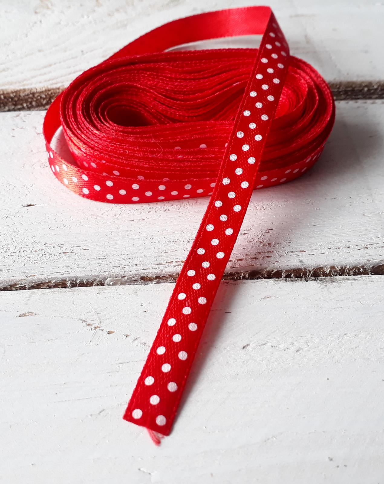 Červená puntíkatá stužka - Obrázek č. 1