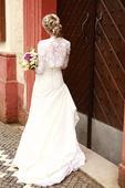 Originální pohodlné svatební šaty s bolerkem, 36