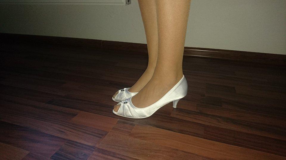 Svadobné topánky s kamienkom - Obrázok č. 4