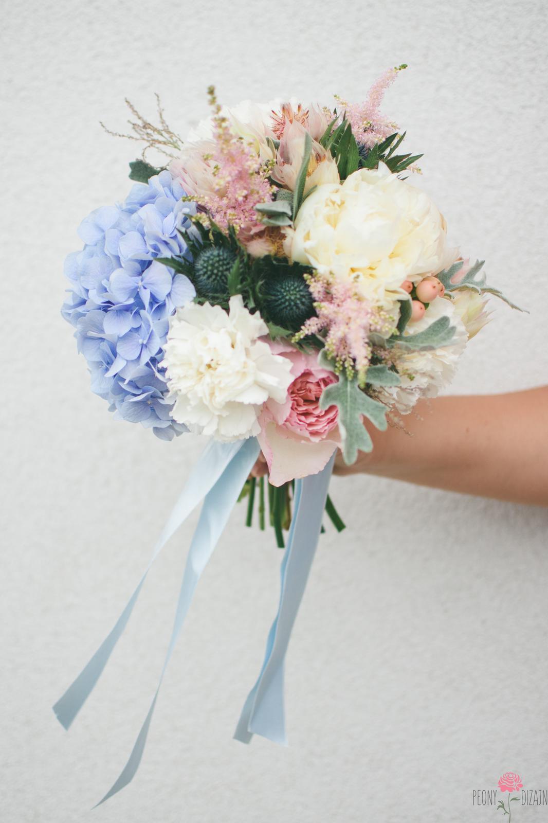 Sivo - ružovo - modrá - Obrázok č. 1