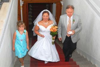 a to už jdeme do přípravny pro nevěstu
