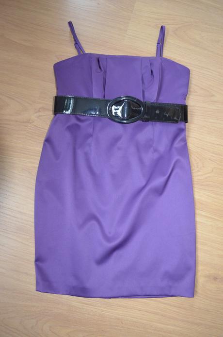 Tmavě fialové šaty - Obrázek č. 1