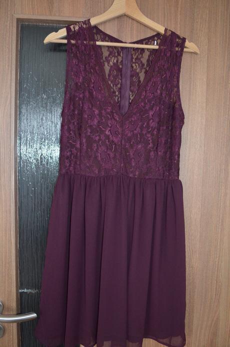 společenské šaty - vínové, krajka - Obrázek č. 1