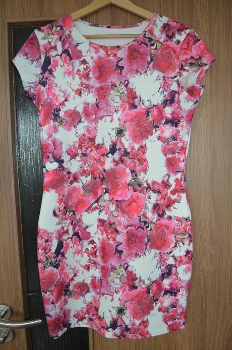 Šaty - květinový vzor - Obrázek č. 1