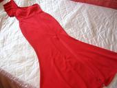 červene dlhe šaty, 38