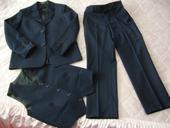 oblek s vestou, 128