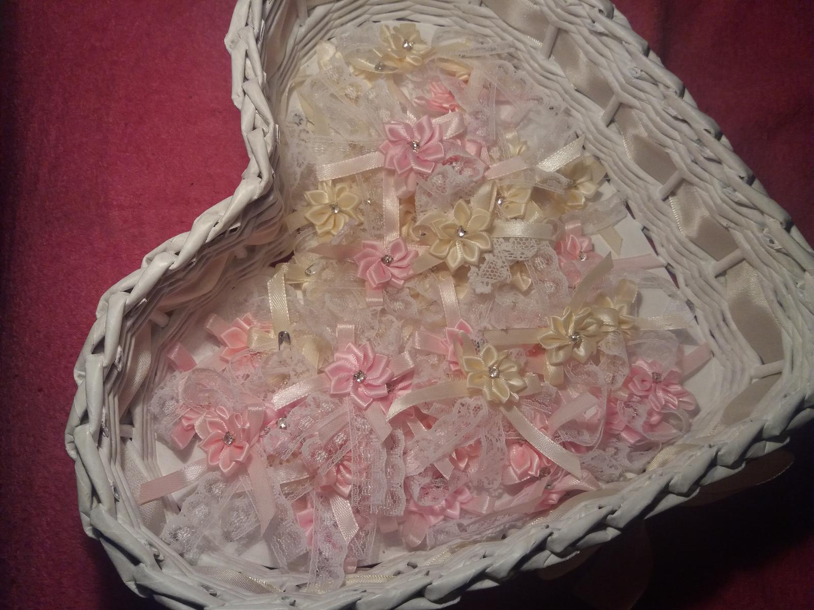 Svadobne pierka cipkovane ruzove smotanove - Obrázok č. 2