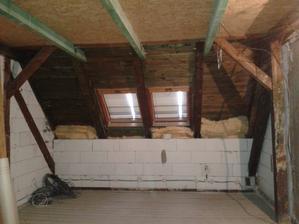 ještě stará střešní okna