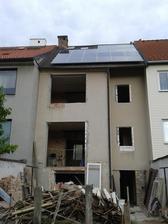 asi před měsícem, ještě se starou střechou a harampádím :-)