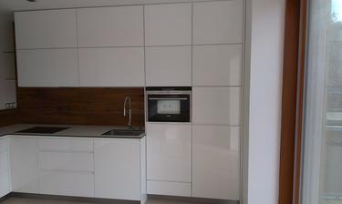 kuchyne skoro ve finalnim stavu :-)
