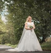 Luxusní svatební šaty, španělské značky Pronovias, 40