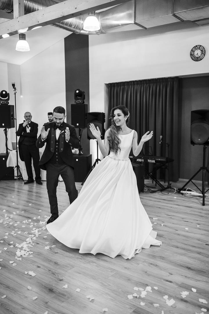 Lucia{{_AND_}}Lali - náš svadobný tanec