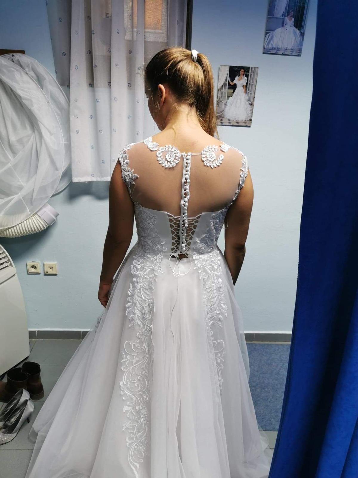 Úplne nové svadobné šaty veľ. 38-42 - Obrázok č. 2