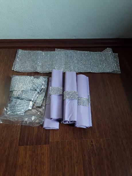 Nepoužité, ubrousky + stříbrný pásky - Obrázek č. 1