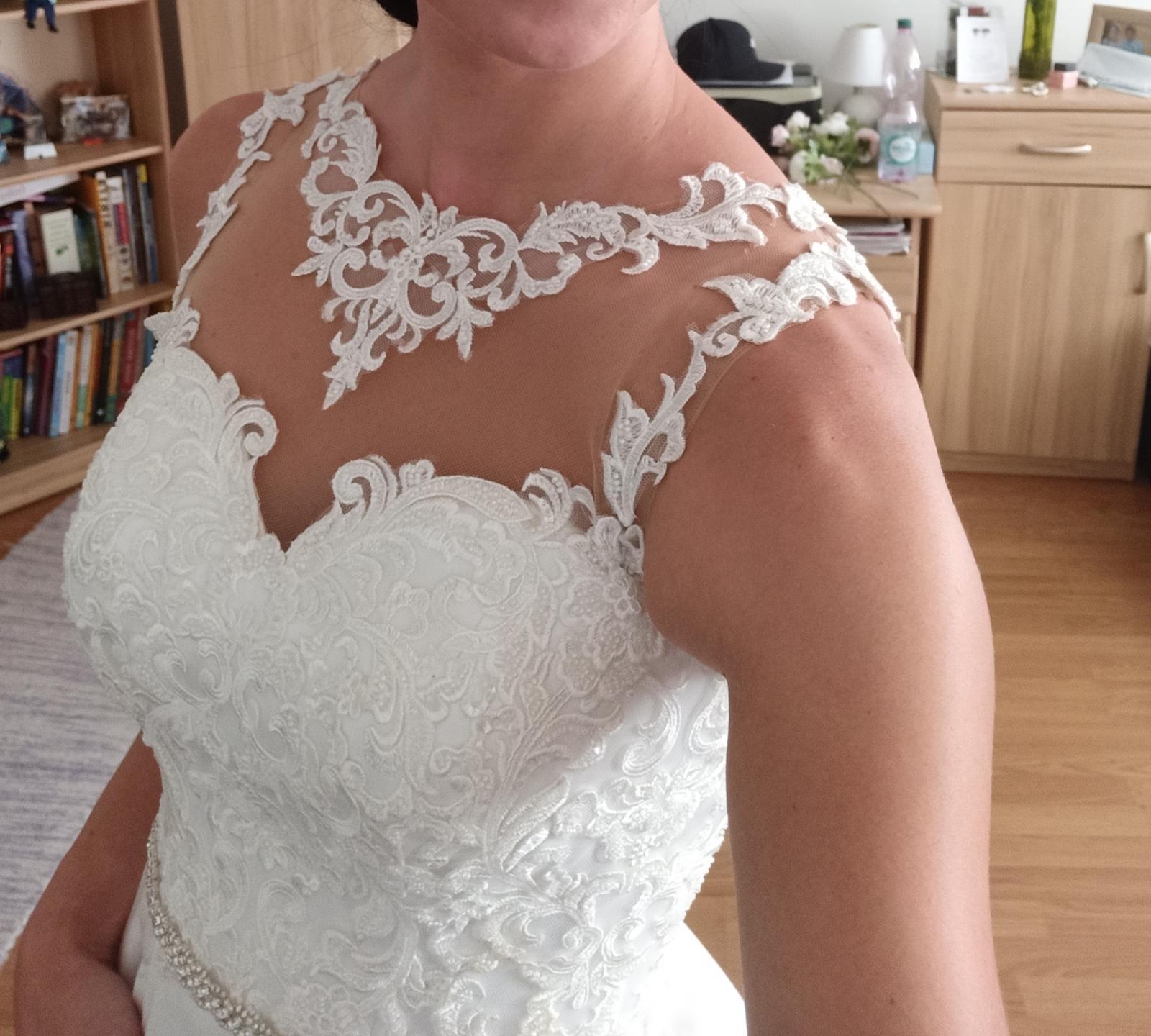 svadobné šaty saténové - Obrázok č. 3
