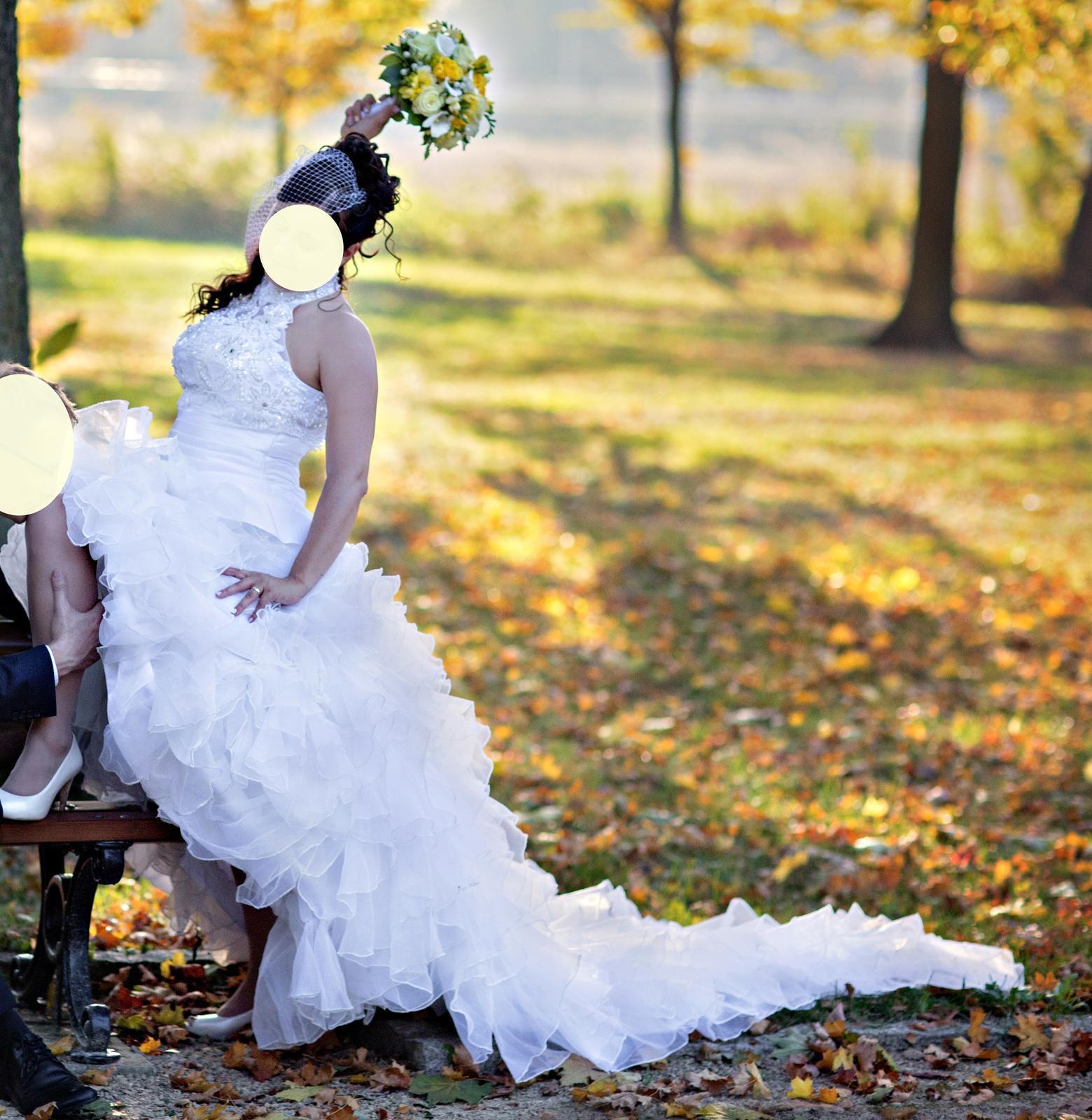 Svadobné šaty vyšívané perličkami - veľ. 38-42 - Obrázek č. 1