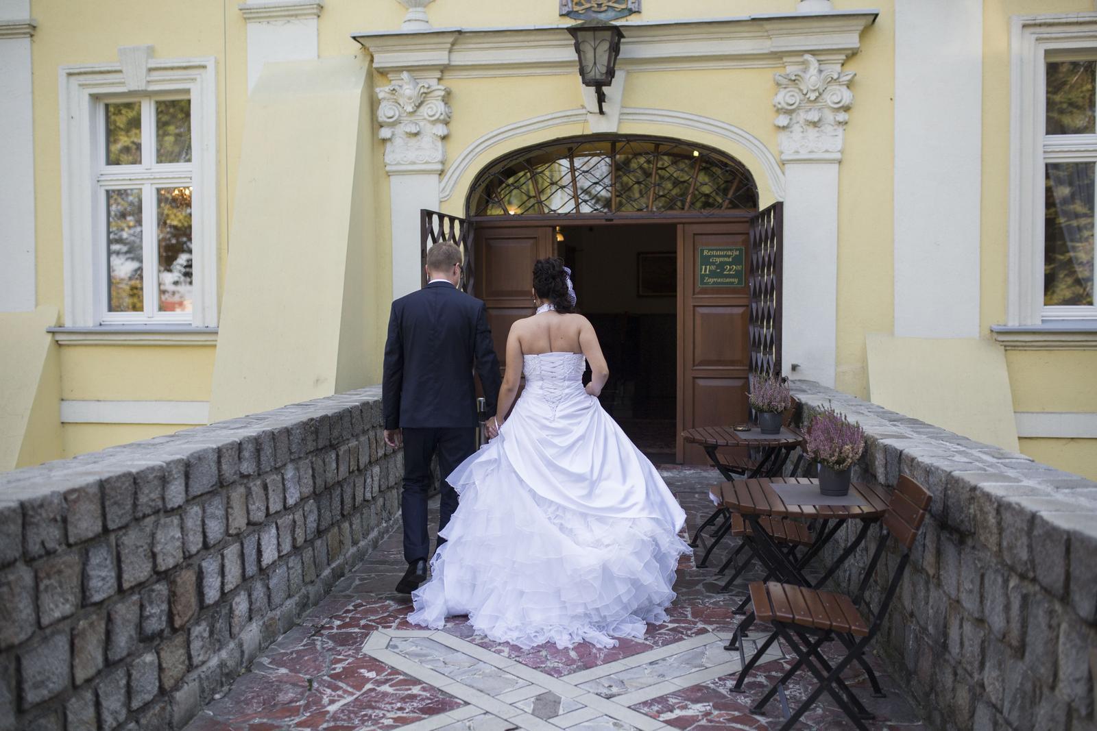 Svadobné šaty vyšívané perličkami - veľ. 38-42 - Obrázek č. 4