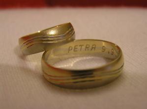 Naše prstýnky :) kombinace bílého a žlutého zlata
